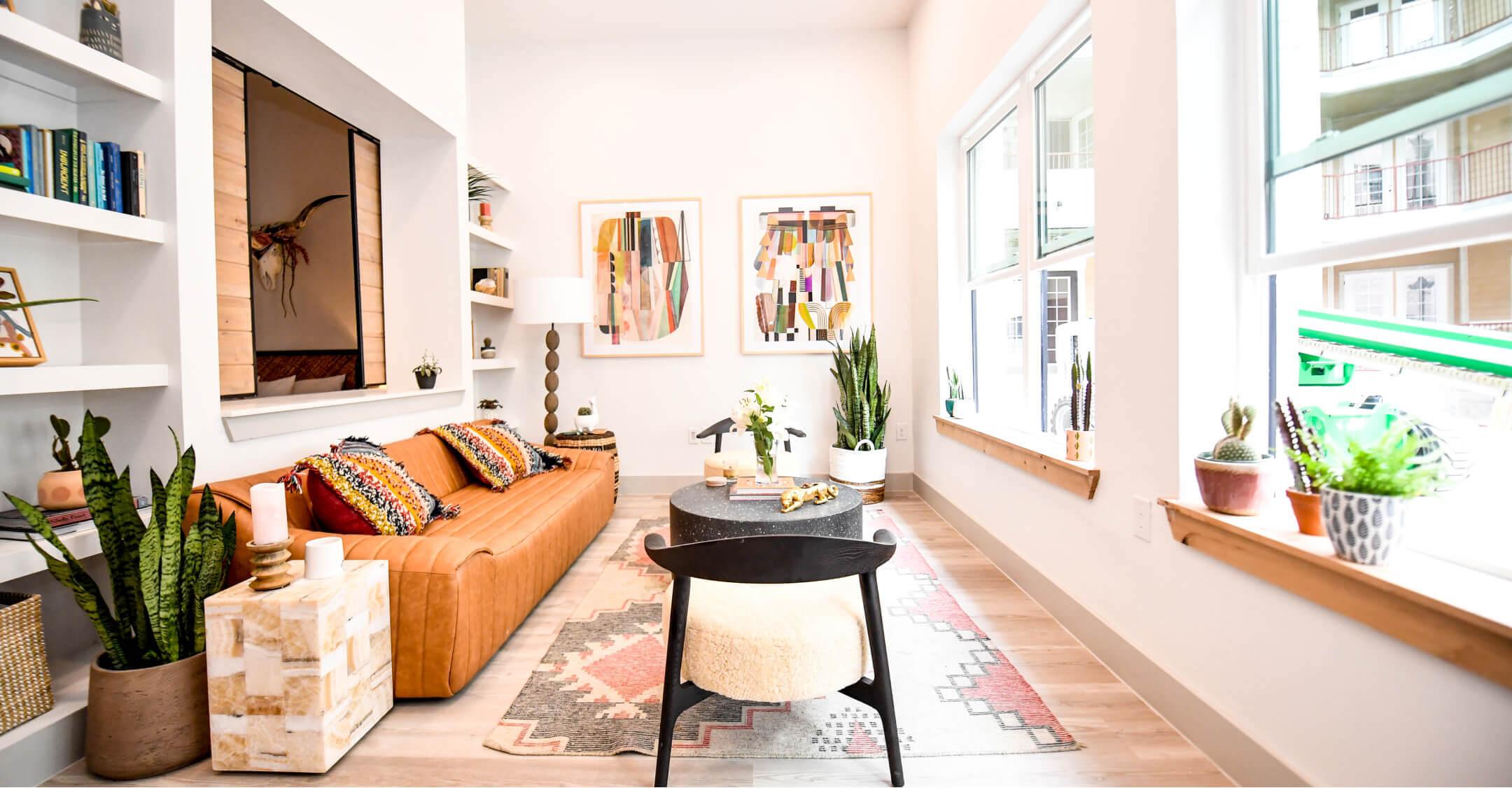 Image of Bishop North living room at Bishop Arts